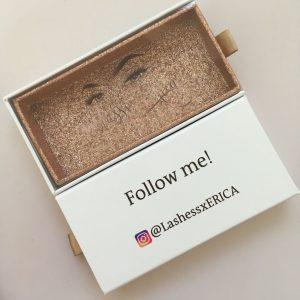 Custom white eyelash packaging